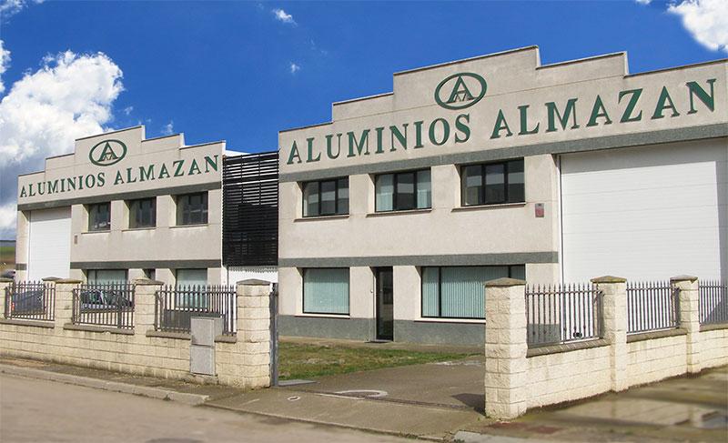 Fachada Aluminios Almazán