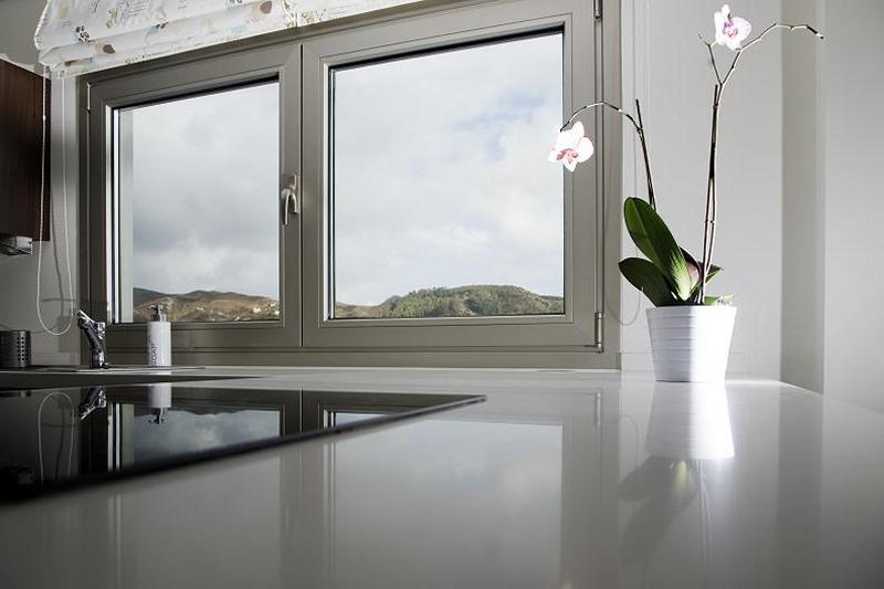 aluminios almazan, ventana cor 70,